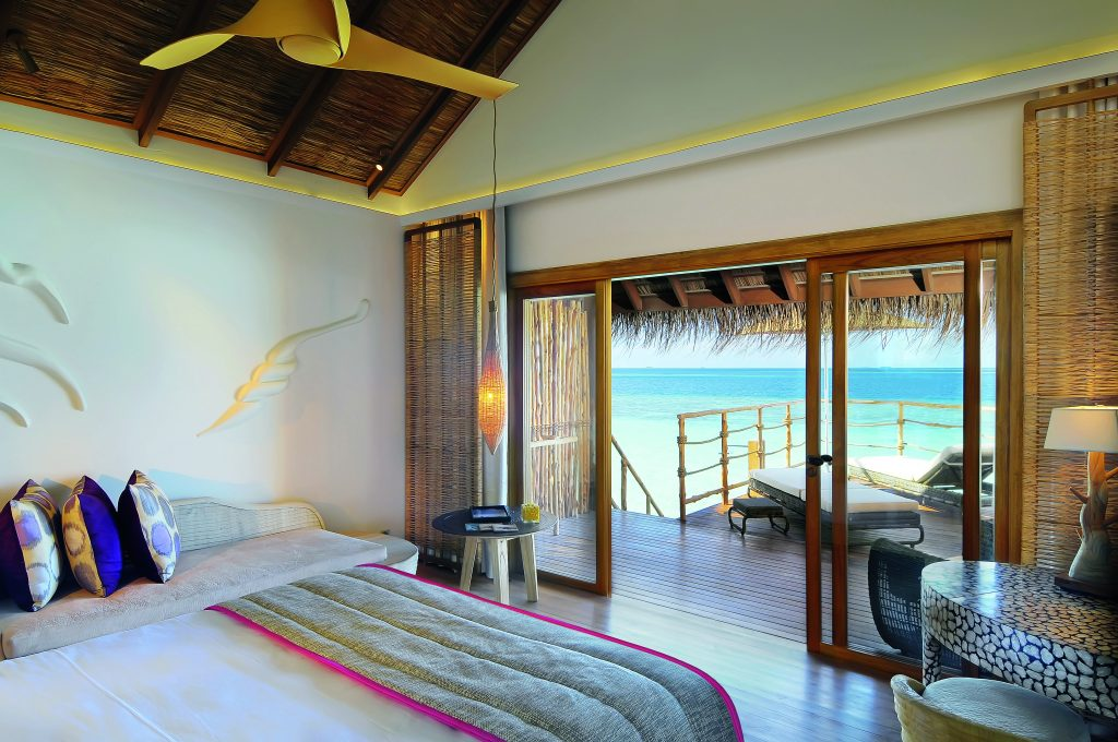 moofushi-maldives-water-villa-4
