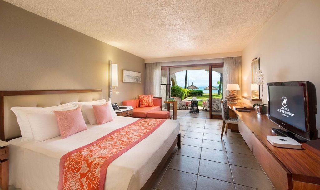 belle-mare-plage-2016-prestige-room-bedroom-low
