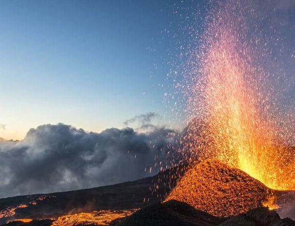 volcan198eruptionpitondelafournaise052015-creditirt-lucperrotdts062017_0